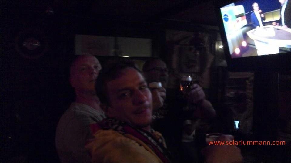 Fußball WM im Schinderhannes mit Freunden