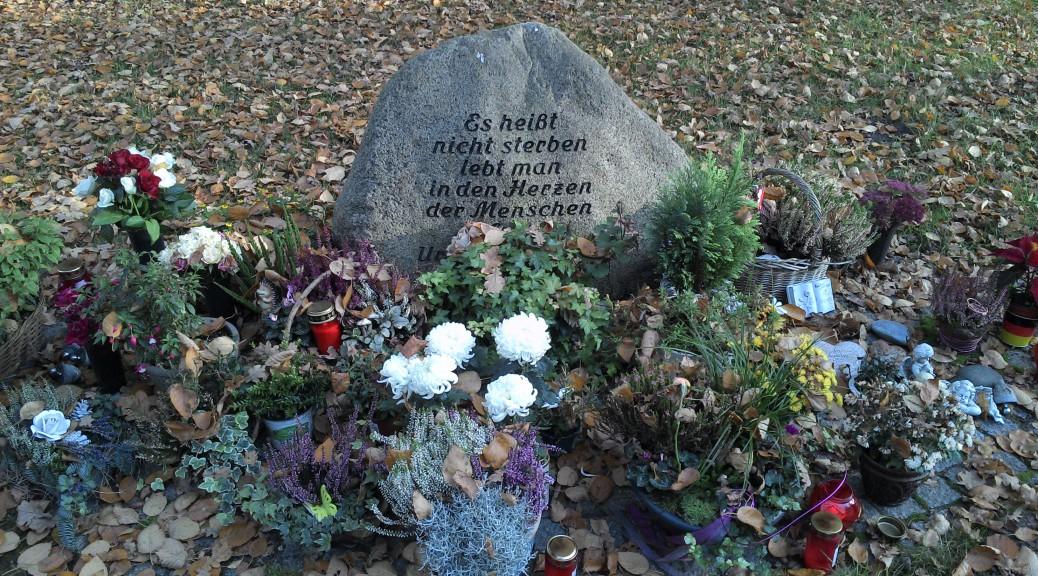 nach 10 Jahren habe ich sein Grab besucht, in dem kleinen Ort am Fuße des Hermanns Denkmals.